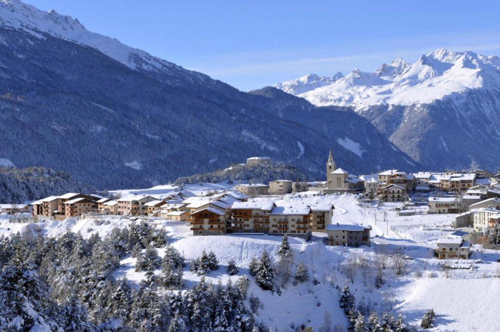aussois village hiver