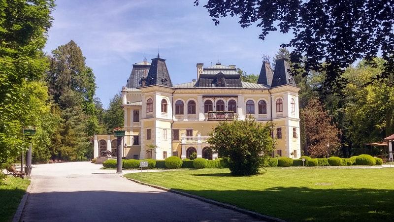 maison de luxe en france